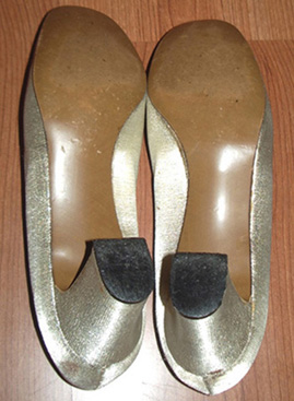 vintage gold 60s shoes back